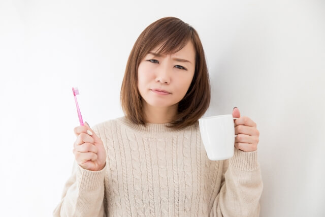 歯磨きがめんどくさい女性