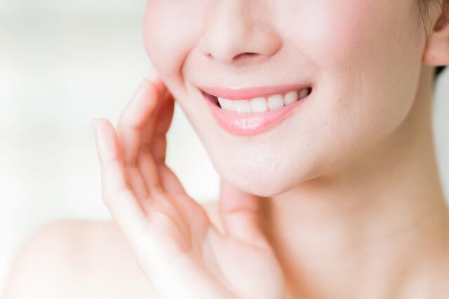 歯のキレイな女性